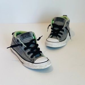 Converse All Star Chuck Taylor Jrs. Sneaker